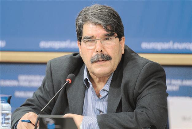 در خواست کمک تسلیحاتی رهبر کردستان سوریه از ترکیه