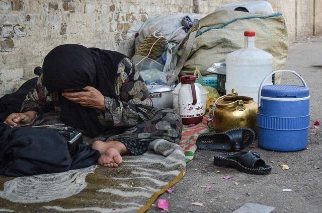 زندگی خانواده عرب اهوازی بی خانمان در کنار خیابان