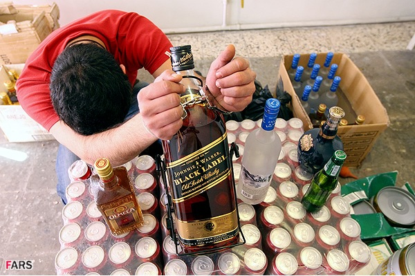 مرگ ۵٣ ایرانی در سال ۱۳۹۳ بر اثر مصرف مشروبات الکلی