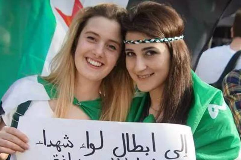 """دو زن ایتالیایی ربودهشده در سوریه """"در چنگ جبهه نصرت"""""""