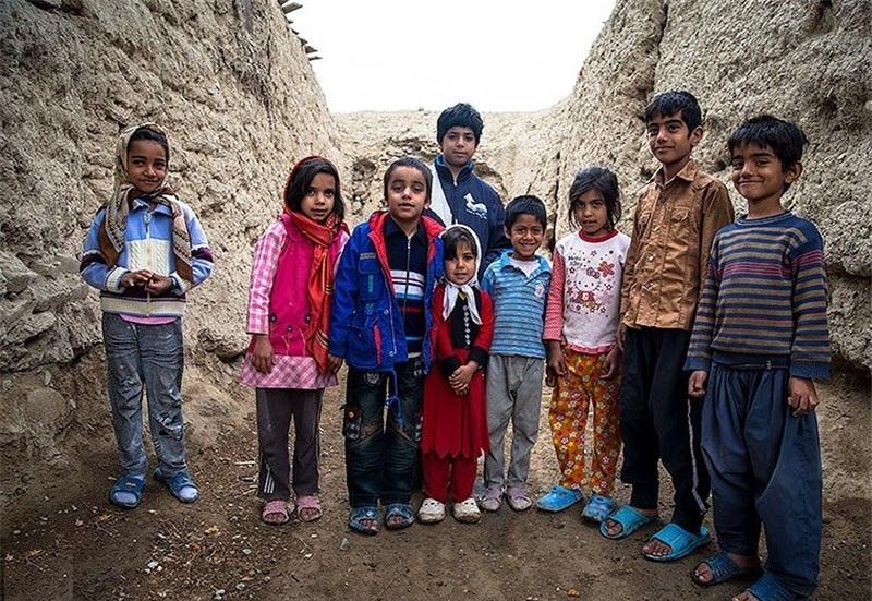 یک نماینده مجلس: در ایران یک میلیون کودک بیشناسنامه داریم