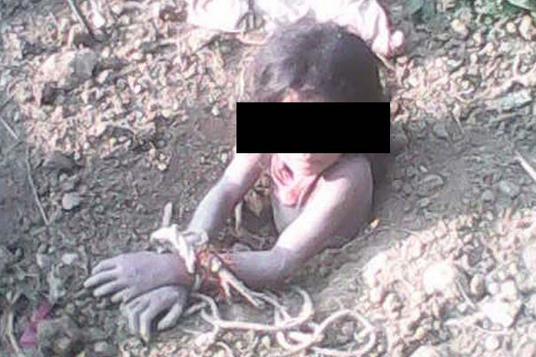 دستگیری مرد هندی که میخواست دخترش را زنده به گور کند
