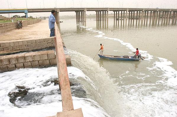 رودخانه کارون اهواز:همچنان مقصد فاضلاب هاي شهري