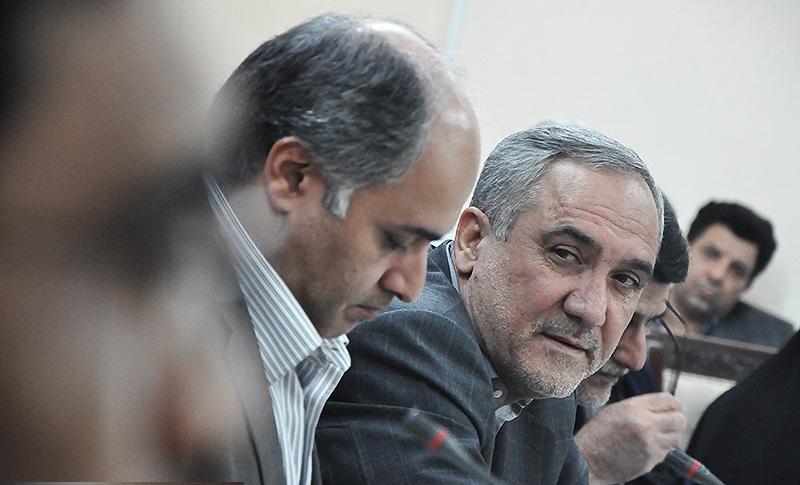 برخورد نامناسب استاندار خوزستان با یک خبرنگار/عصبانیت مقتدایی از ریزگردها یا بی تدبیری ها