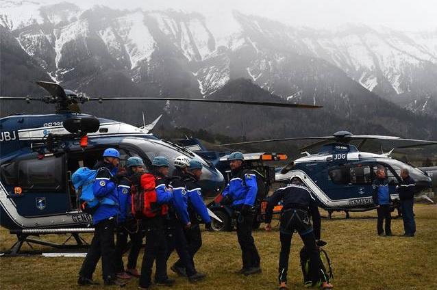 جستجو برای یافتن اجساد قربانیان سقوط هواپیمای مسافربری آلمانی ادامه دارد
