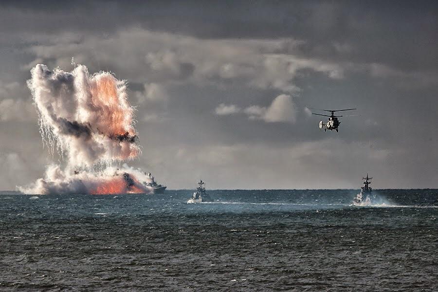 آتش سوزى مهيب در يك زير درياىى اتمى روسيه