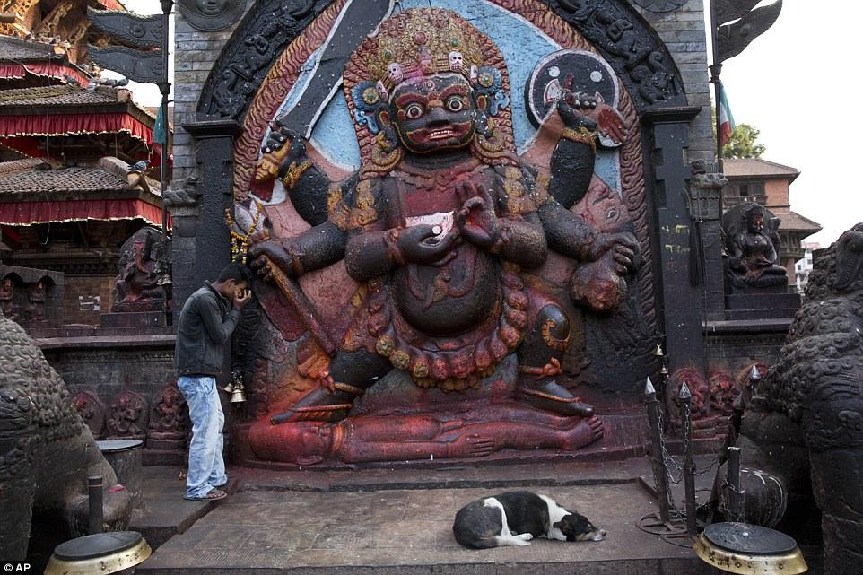 زلزله دو برج ثبت جهانی در نپال را تخریب کرد