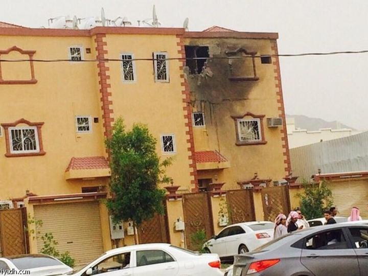 یکی از منازل مسکونی که در شهر نجران مورد اصابت خمپاره قرار گرفت.