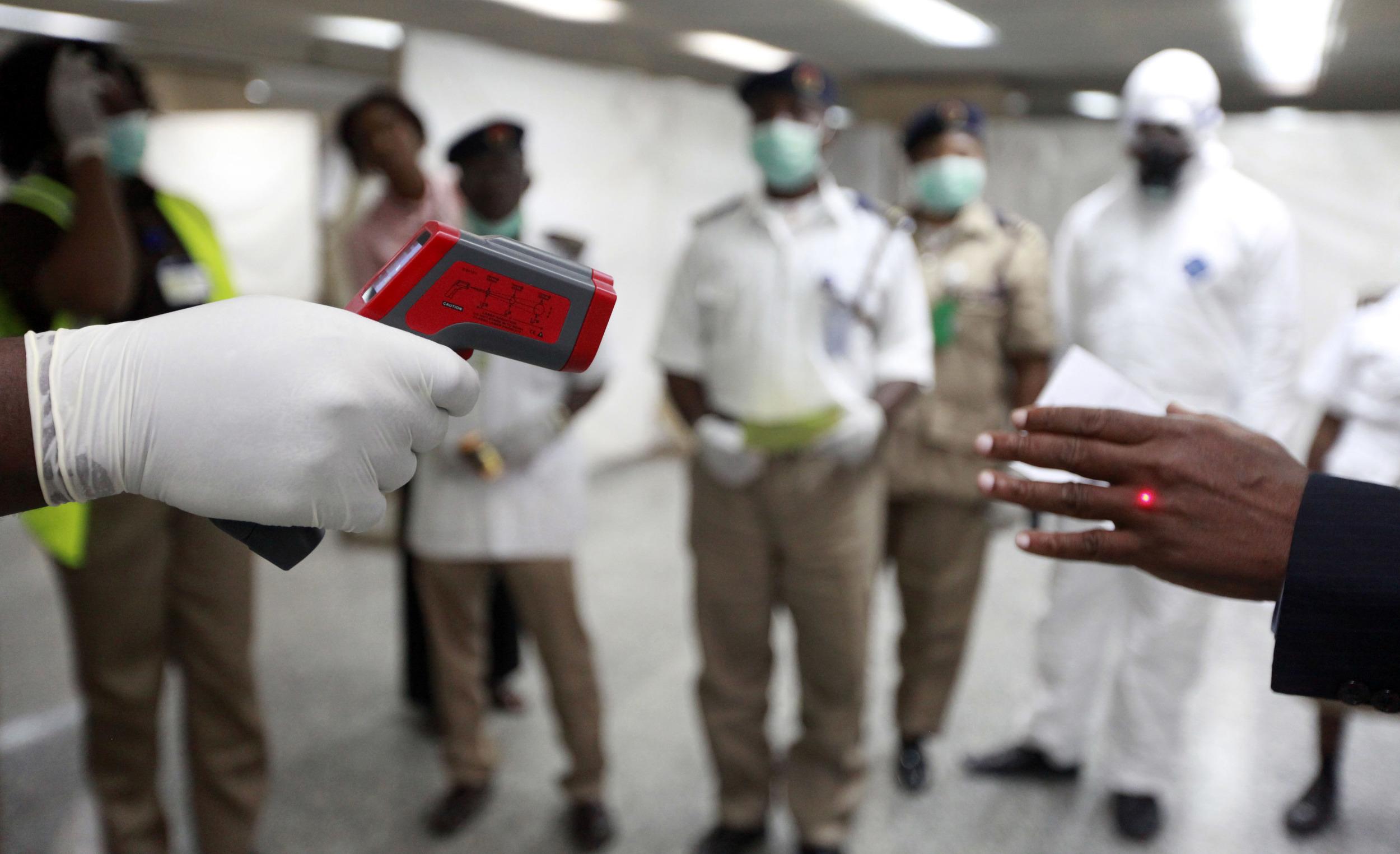 به بهبود یافتگان ابولا توصیه شده از سکس بدون کاندوم پرهیز کنند