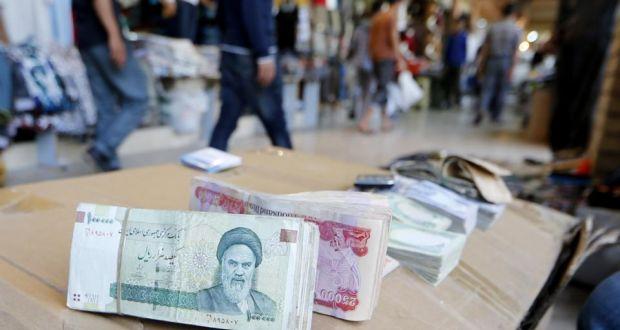 متهمِ اختلاس ۳۰ ميليارد تومانی در خارج از کشور دستگير و به ايران منتقل شد