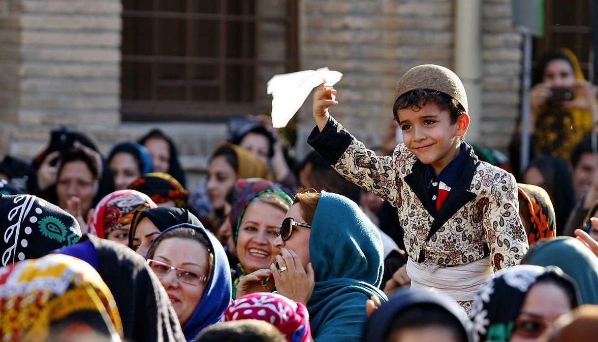 سومين جشن گلوني در خرمآباد برگزار شد