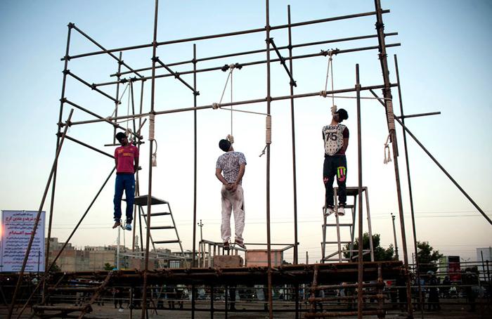 پس از اعدام سه نفر در کرج، پنج  زندانی در کرمان جهت اجرای اعدام به انفرادی منتقل شدند