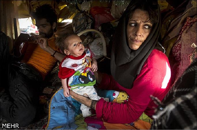 زنان کارتن خواب و نوزادان بی هویت زیر پوست شهر