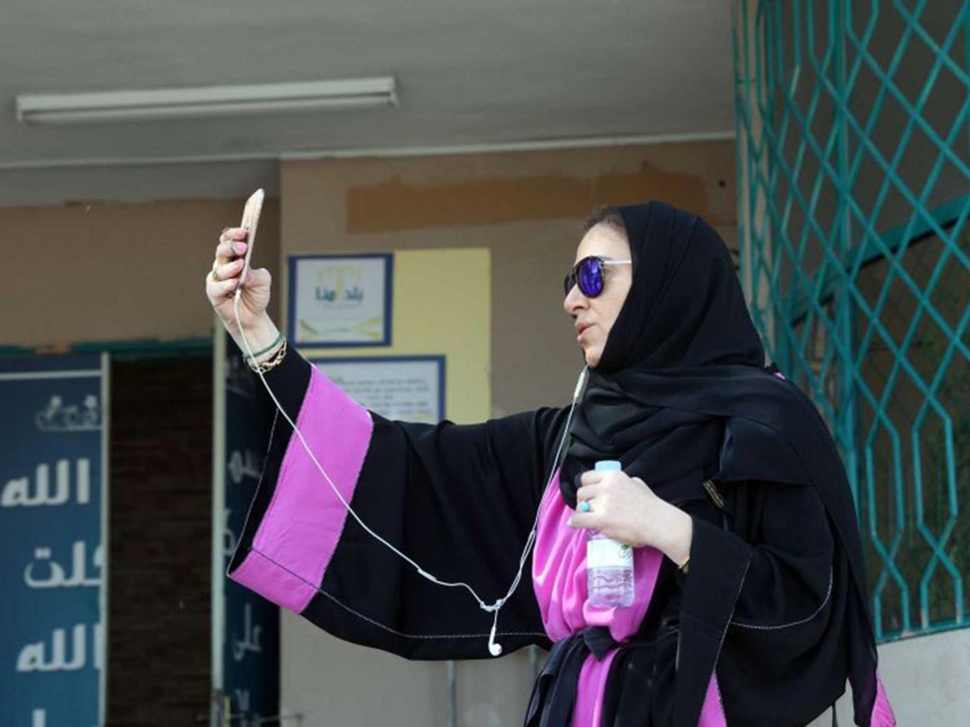 زنان سعودی در سومین انتخابات شورای شهر به پیروزی بزرگی دست یافتند+گزارش تصویری