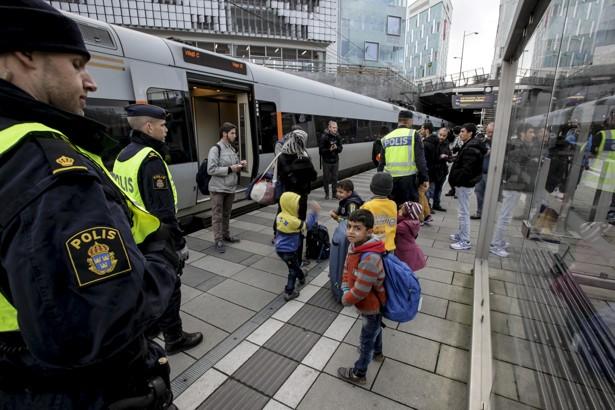 سوئد کنترل مرز خود با دانمارک را آغاز کرد