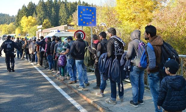 آلمان پناهجویان بیشتری را به اتریش بازمیگرداند
