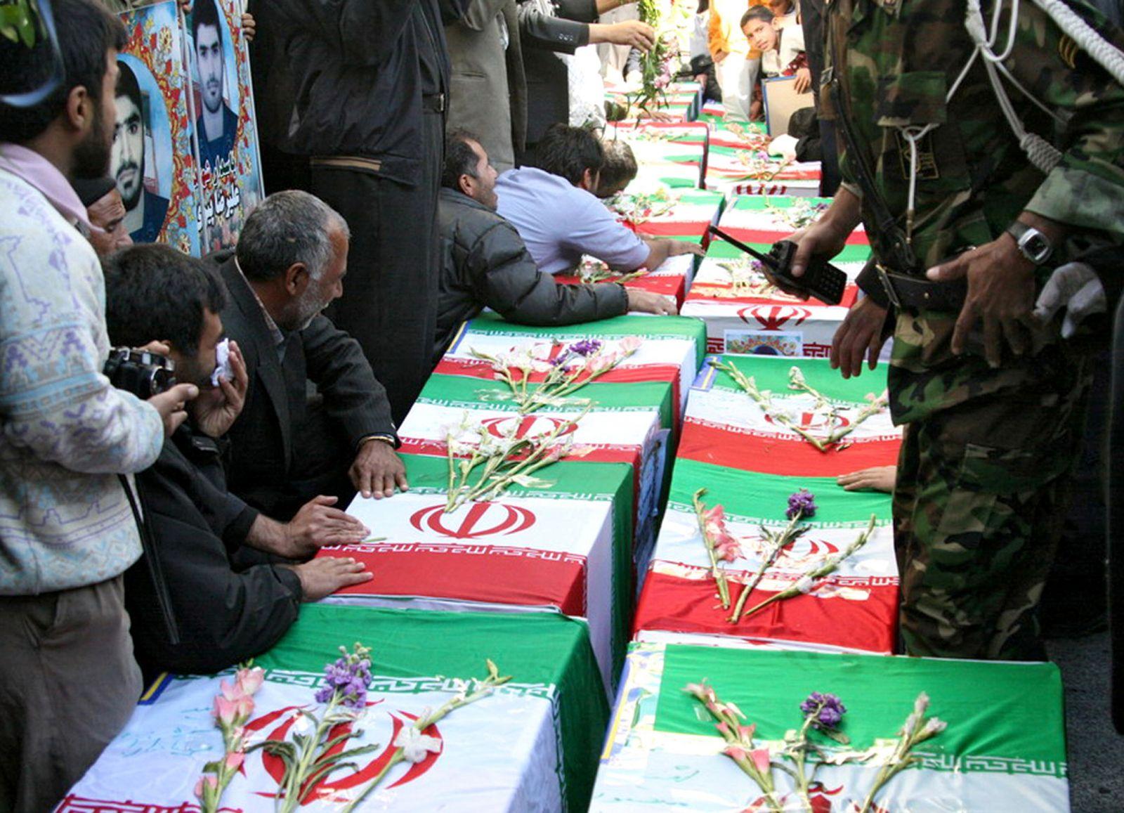 تعداد کشته های ایرانی طی هفته اخیر در حلب سوریه به 54 نفر رسید
