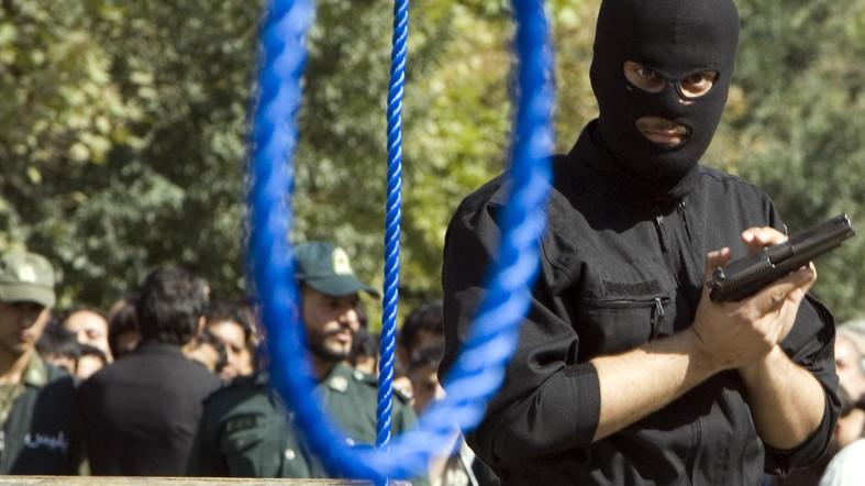 خطر اعدام پنج تن از شهروندان اهوازی در ملا عام