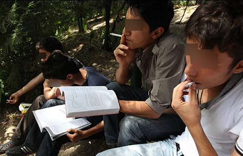 صدوسی هزار دانش آموز معتاد پشت نیمکتهای مدارس