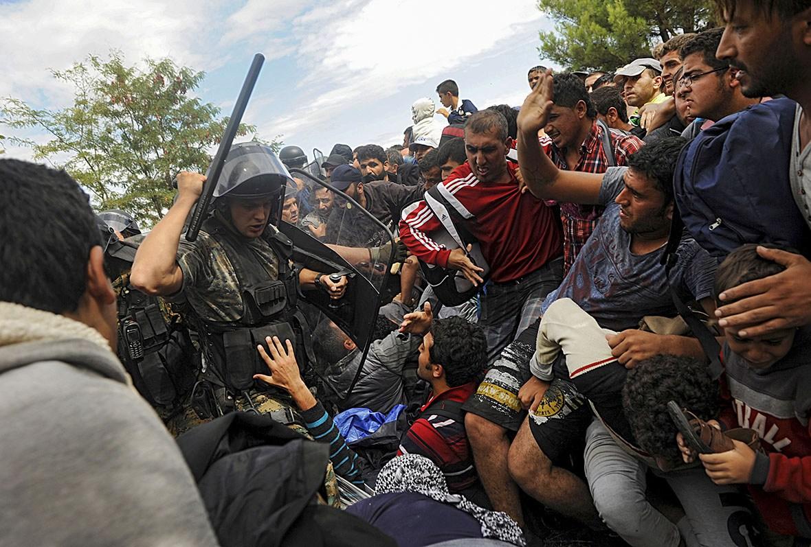 بلاتکلیفی هزاران پناهجو در مرز یونان و مقدونیه
