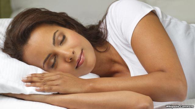 توصیه جدید پزشکان: برهنه بخوابید، بهتر است