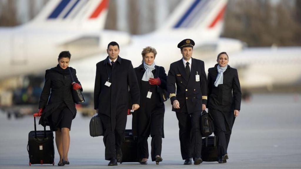 ایرفرانس: زنان مهماندار این شرکت مجبور به پرواز به ایران نیستند