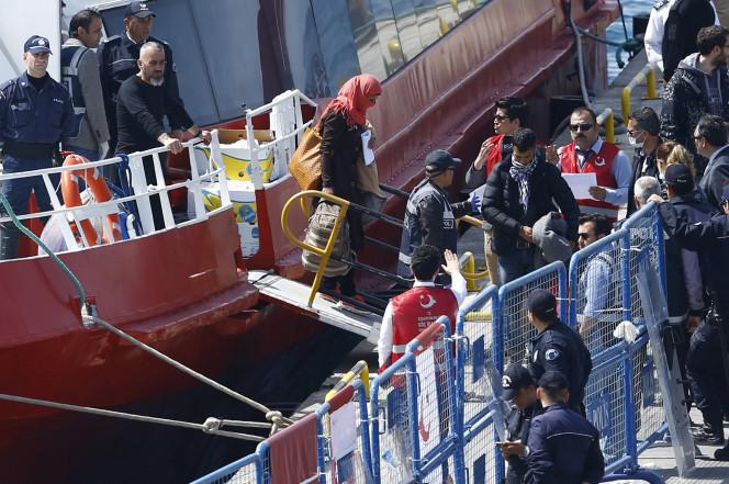یونان دومین گروه از پناهجویان را به ترکیه بازگرداند