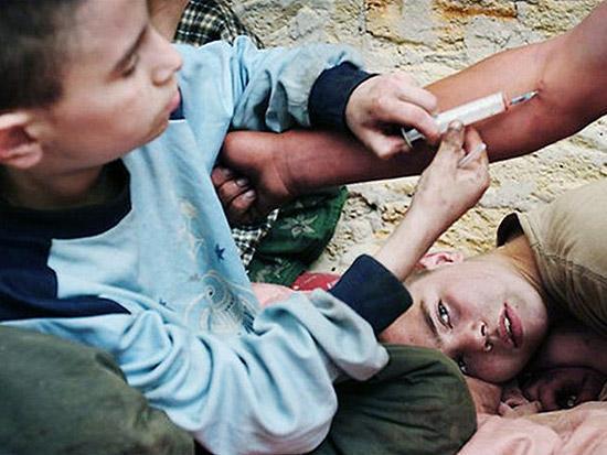روزانه ۷ کودک معتاد در تهران متولد میشوند