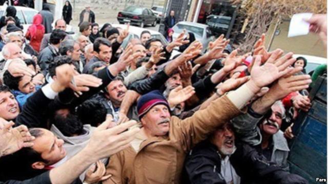 دبیر کانون انجمن های صنفی کارگران می گوید هفت میلیون کارگردر ایران زیر خط فقر هستند