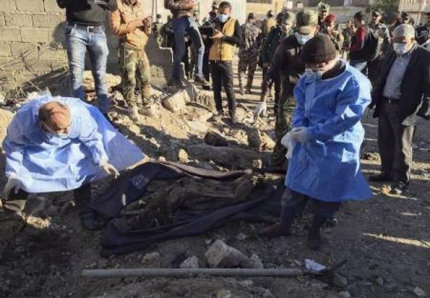 بیش از پنجاه گور دسته جمعی در عراق کشف شد