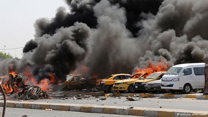 شمار قربانیان انفجارهای بغداد به دستکم ۹۳ کشته رسید  چاپ