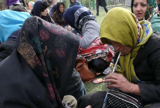 یک مقام ستاد مبارزه با مواد مخدر: تعداد زنان معتاد از سال ۸۰ تا ۹۰، دو برابر شده است