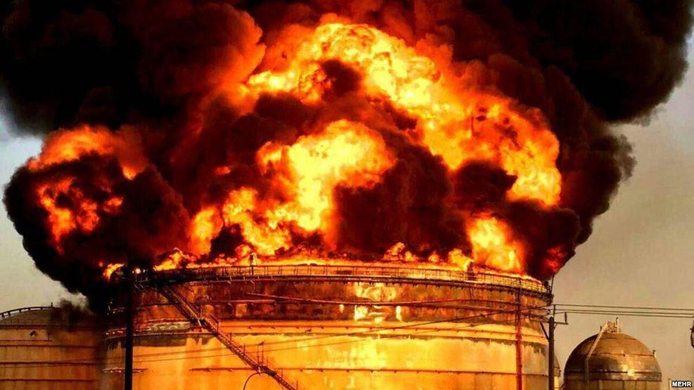 آتشسوزی در تاسیسات پتروشیمی ماهشهر همچنان ادامه دارد