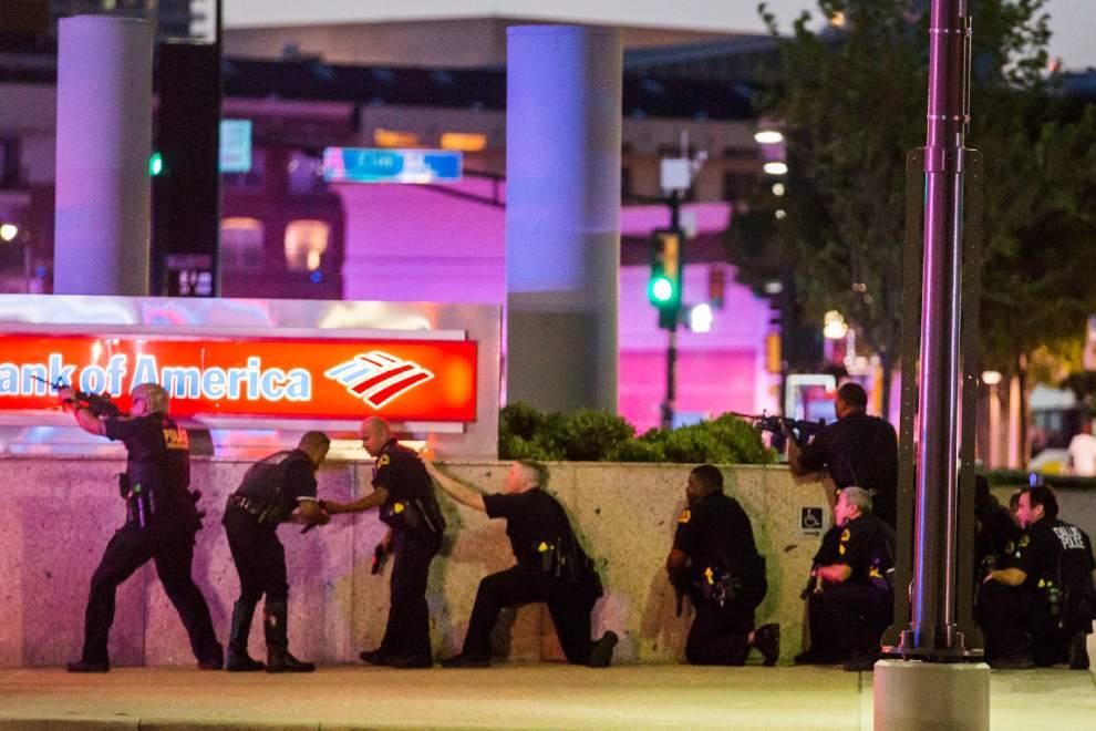 قتل پنج مامور پلیس امریکا در دالاس تگزاس توسط تکتیراندازها
