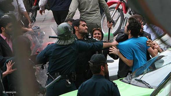 نگرانی انگلستان از ادامه نقض حقوقبشر در ایران تحت حاکمیت آخوندها