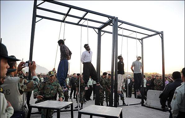 ایران ۲۰۱۶: هر روز بیشتر از یک اعدام