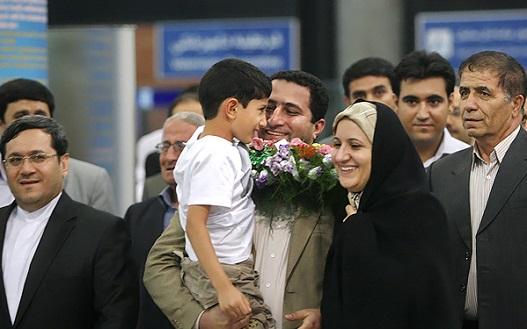 ایران شهرام امیری «قهرمان اتمی» خود را اعدام کرد