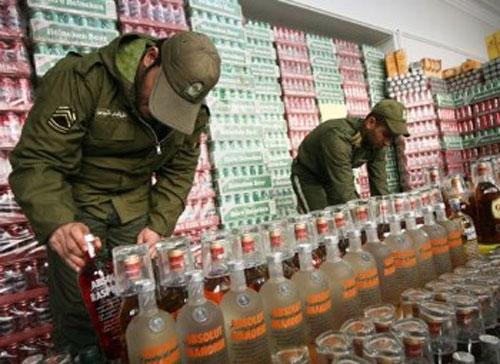 براثرمصرف مشروبات الکلی درایران هرسه روز یک نفر جان خودراازدست می دهد