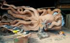 تصاویری از تبدیل یک درخت خشک به اختاپوس توسط یک مجسمه ساز آمریکایی