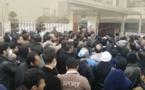 تجمع کارگران پیمانکاری پتروشیمیهای بندر ماهشهر مقابل فرمانداری