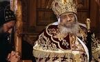 بر مرگ رهبر قبطيان مصر، مسيحى و مسلمان باهم گريستند و به توديع آمدند